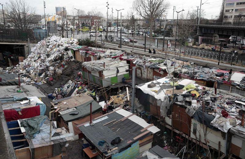 После гастролей цыган в Париже чище не стало