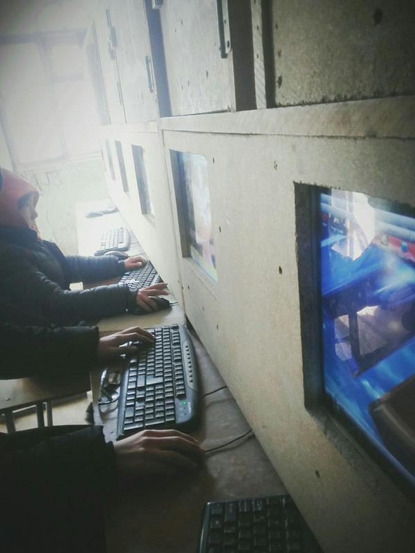 Компьютерный клуб в узбекской провинции