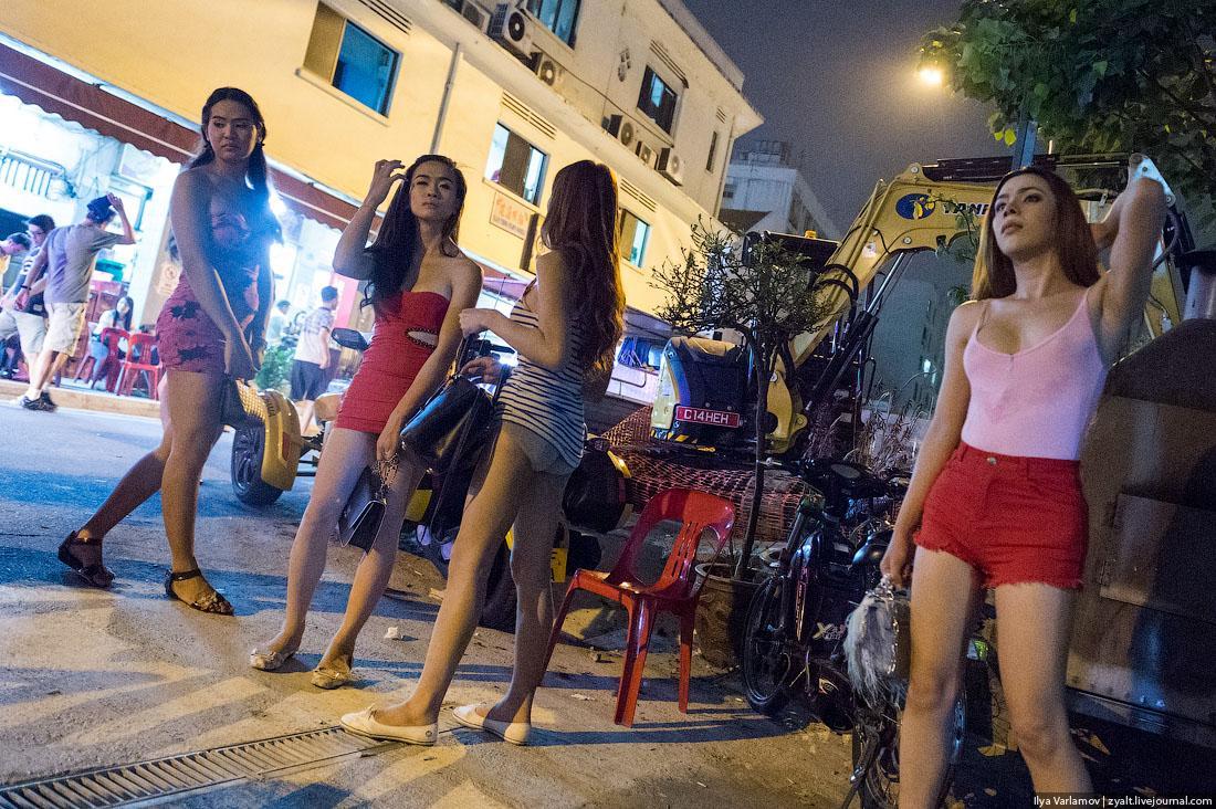 Cлужебная информация в обмен на секс-вечеринки