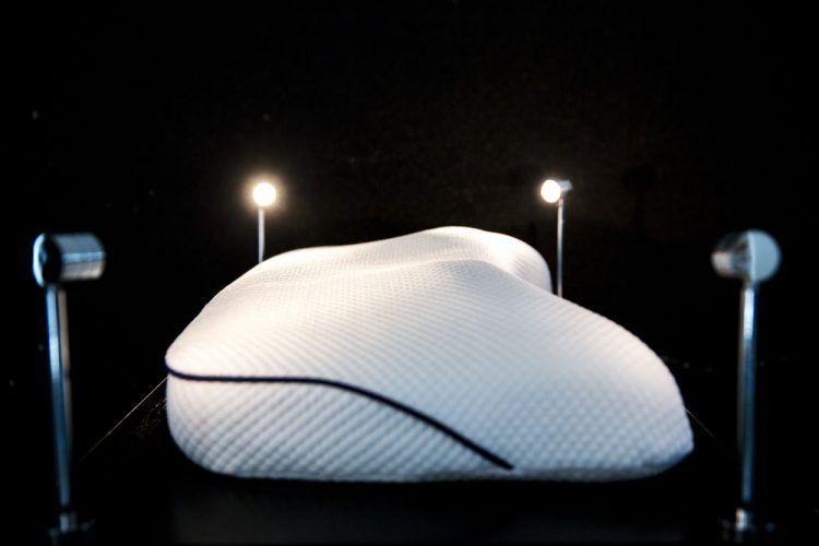Идеальная подушка для сна по цене новой BMW