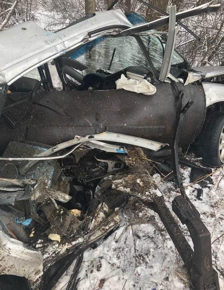 Audi вырвала у Беларуса ковш и улетела с ним в лес