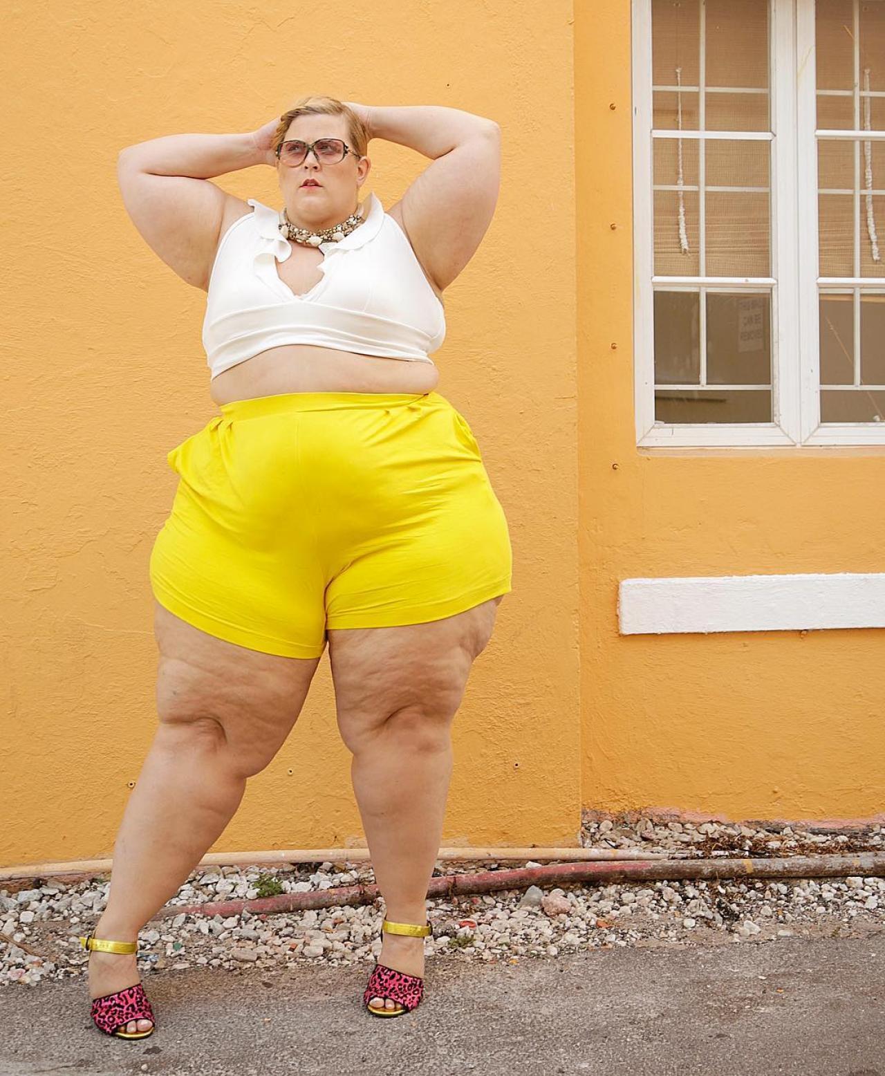 Картинки толстая женщина