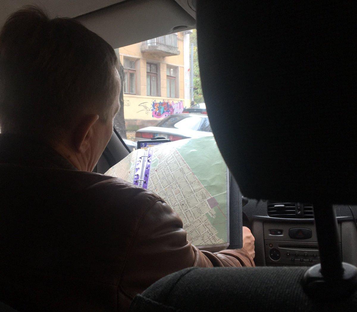 Таксист с офлайновыми картами вызвал восторженные отклики пользователей соцсетей