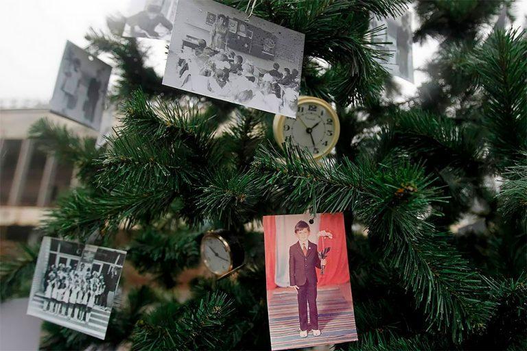 В мертвом городе - Припять - появилась новогодняя елка