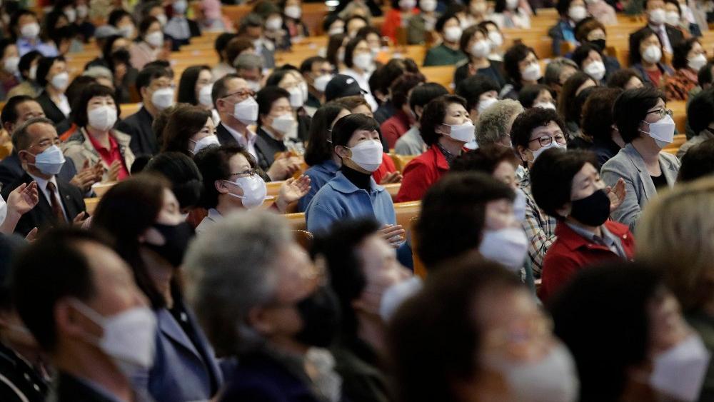 Количество зараженных в Китае растет, новые вспышки зафиксированы в Южной Корее, которая ранее рапортовала о полной остановки заболевания