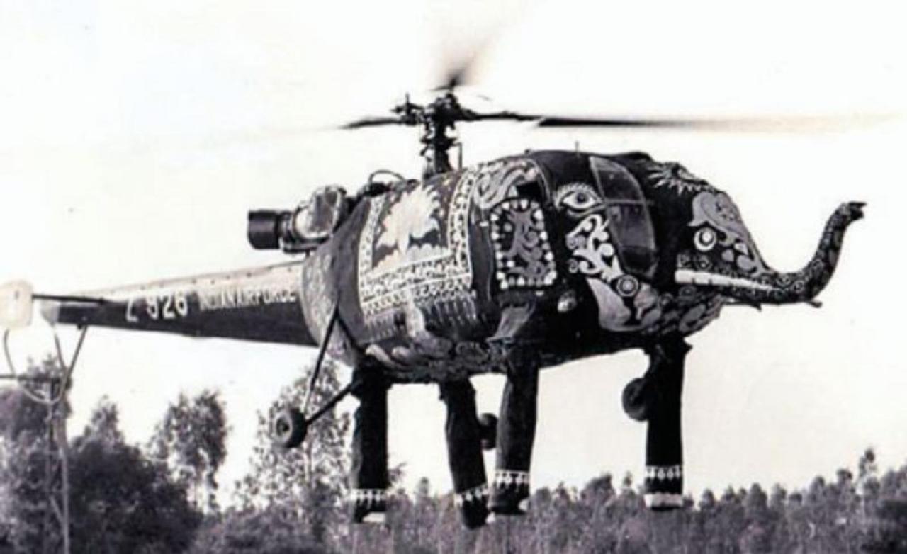Индийские военные вертолеты, прилетавшие на парады, являлись отдельным психологическим оружием