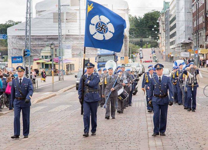 ВВС Финляндии избавятся от свастики