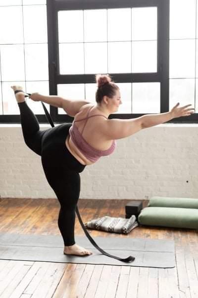 Знакомьтесь-Дана Фальцетти инструктор по йоге