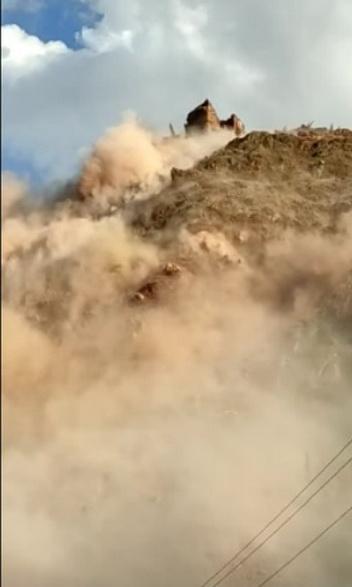 Разрушение целой горы попало на видео