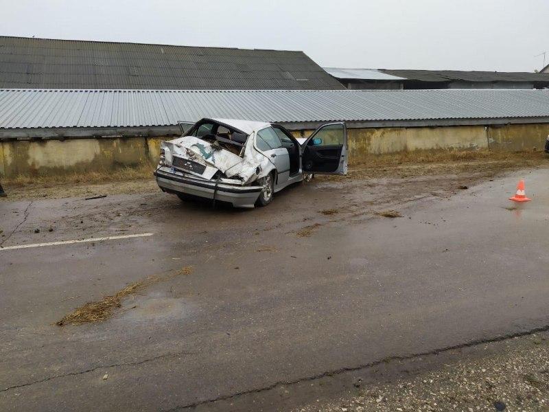 Водитель BMW перевернулся на ровной дороге