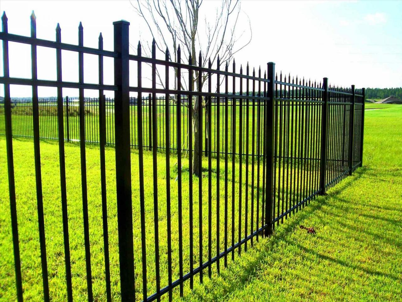 Коварный забор