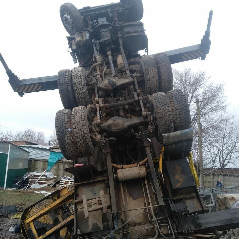В Краснодарском крае упавший автокран насмерть раздавил рабочего