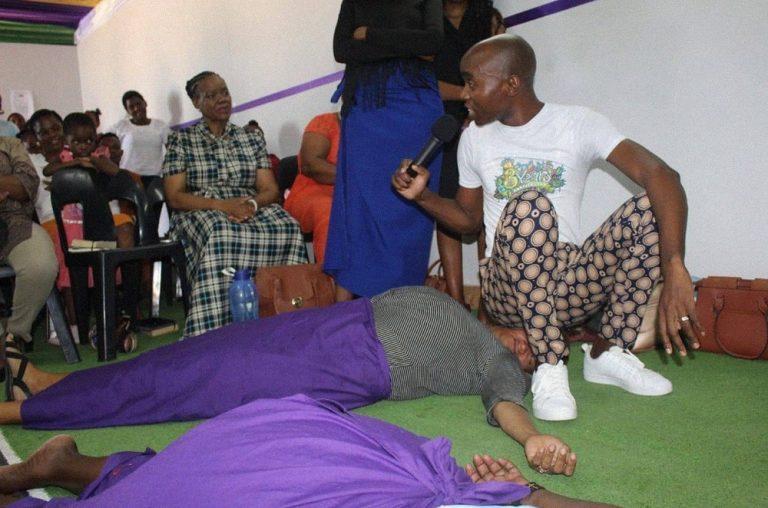 Пастор из Лимпопо «исцеляет» прихожан кишечными газами