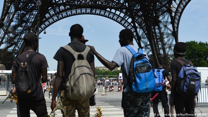 Хруст французской булки: что говорят о жизни в Париже проживающие в нем русскоязычные мигранты