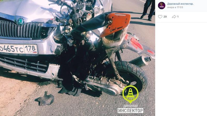 Авария дня. Двое школьников насмерть разбились на скутере в Ленинградской области
