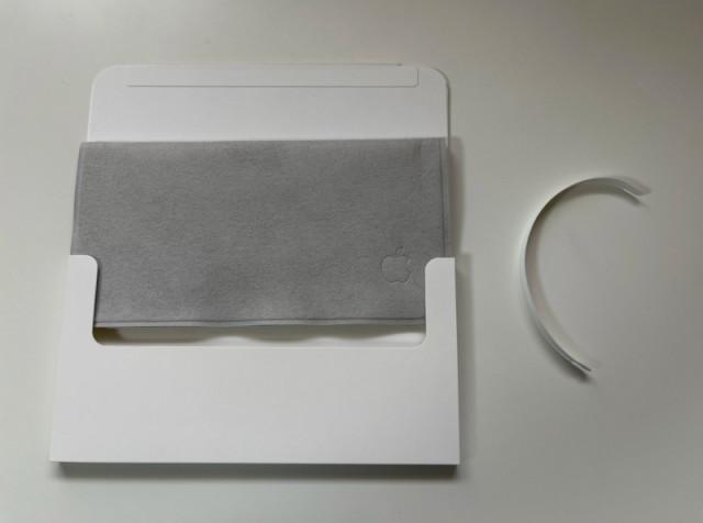 Распаковка салфетки Apple за 2000 рублей показала, что она... стоит своих денег