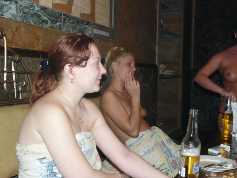Пьные студентки в бане 3 фотография