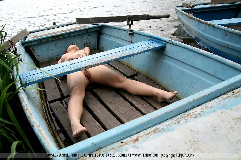 Секс на лодке с лими 7 фотография