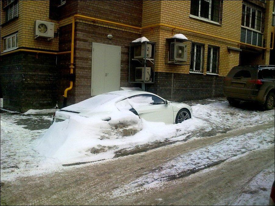 Редкое.  Забытый Audi R8 (7 фото) .