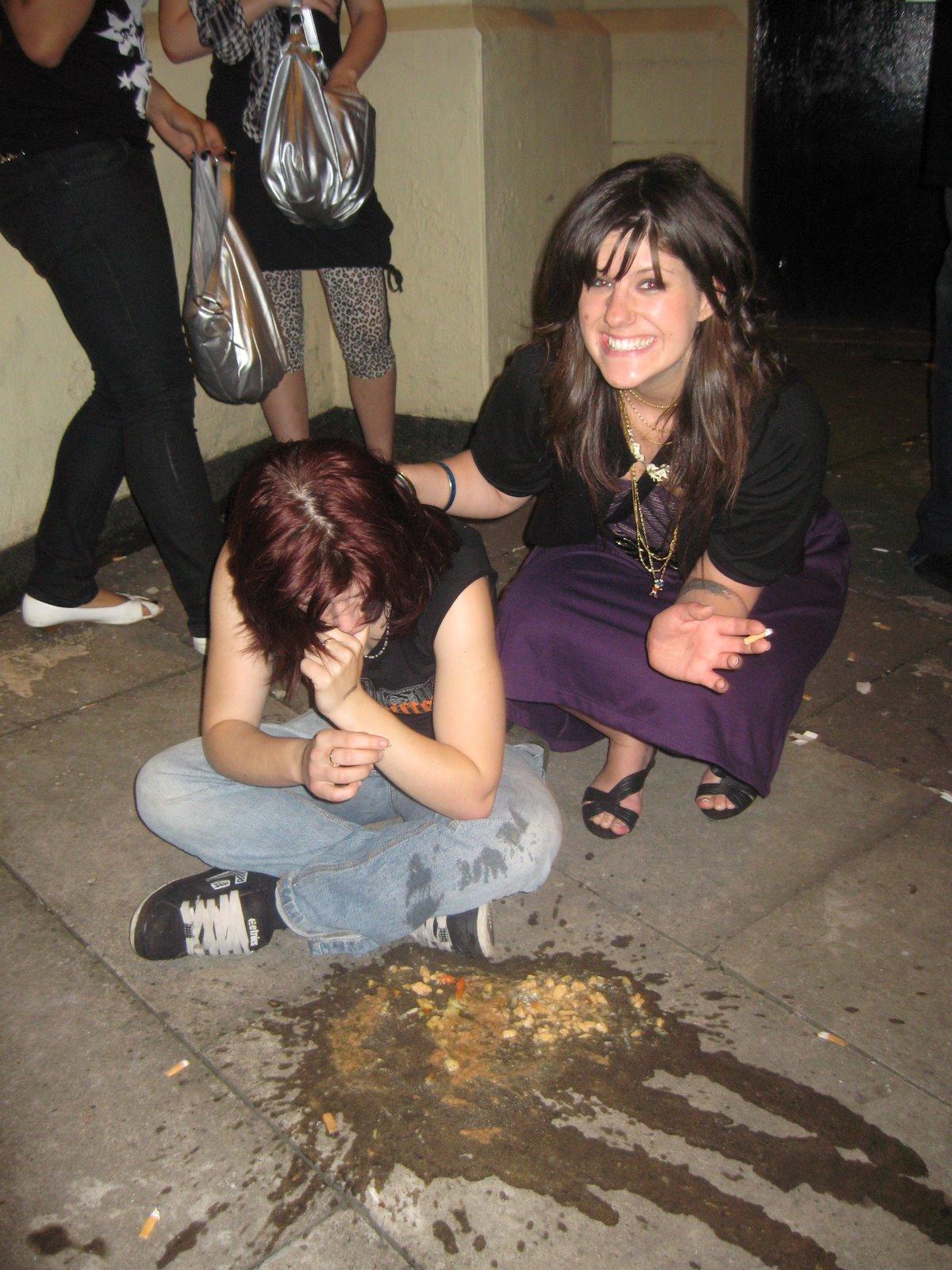 Пьяные женщины блюют 13 фотография
