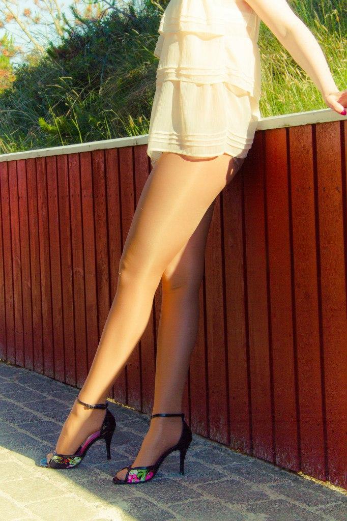Женских ножках любителей для