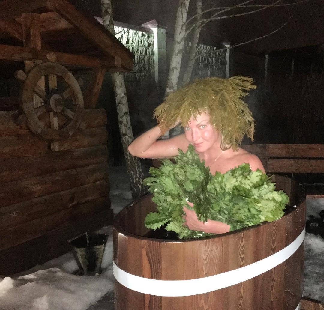 Танюша в бане фото 7 фотография