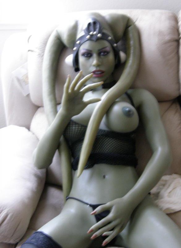 секс рабыни с пришельцем фото