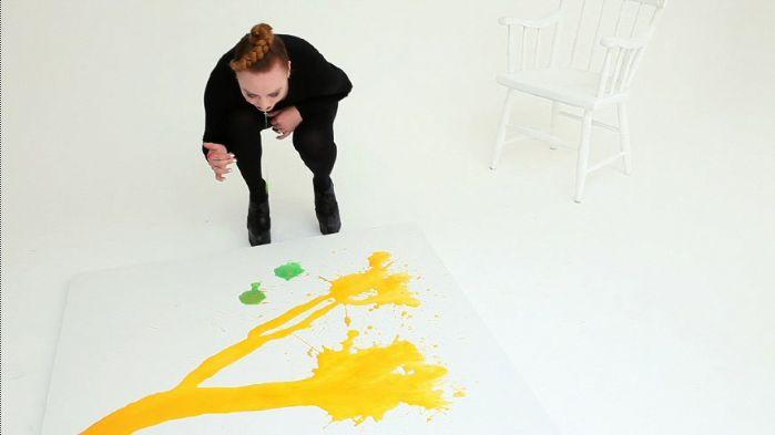 Милли Браун художница которая рисует блевотиной (21 фото) Фото