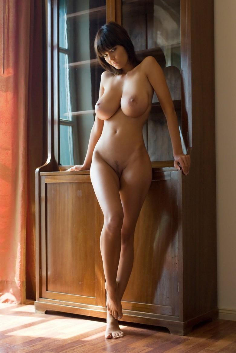 Просто красивая голая женщина 10 фотография