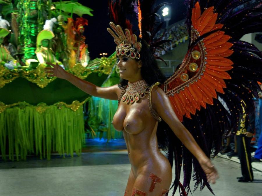 Видео бразильский ресторан порно голая девушка карнавал