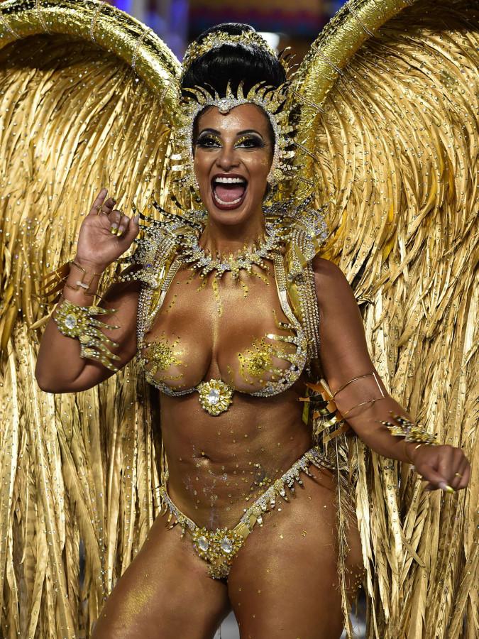 Порно бразильские карнавальные лизбиянки