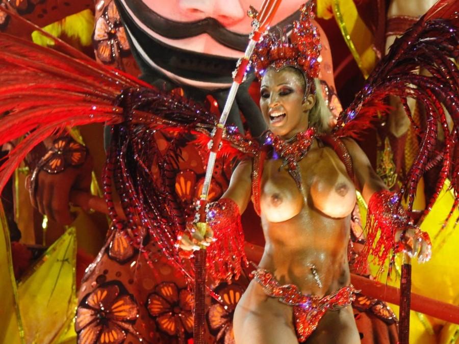 оргия во время карнавала