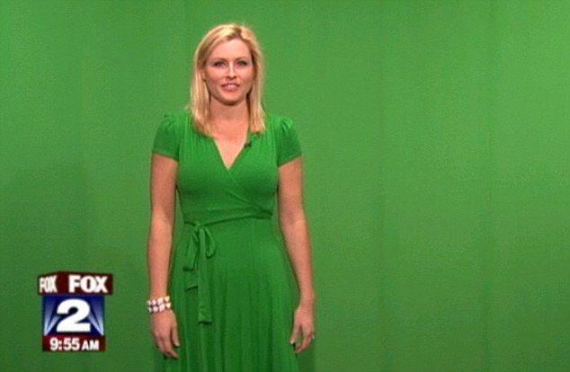 Ведущим прогноза погоды, строго запрещено одевать зеленую одежду.
