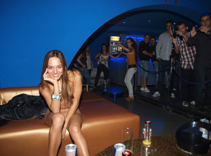 Фото эротика в клубе 16 фотография