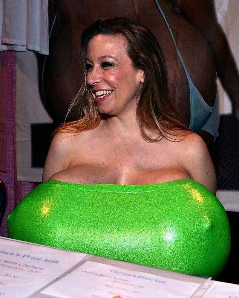 Фото самая большая грудь на планете 5 фотография