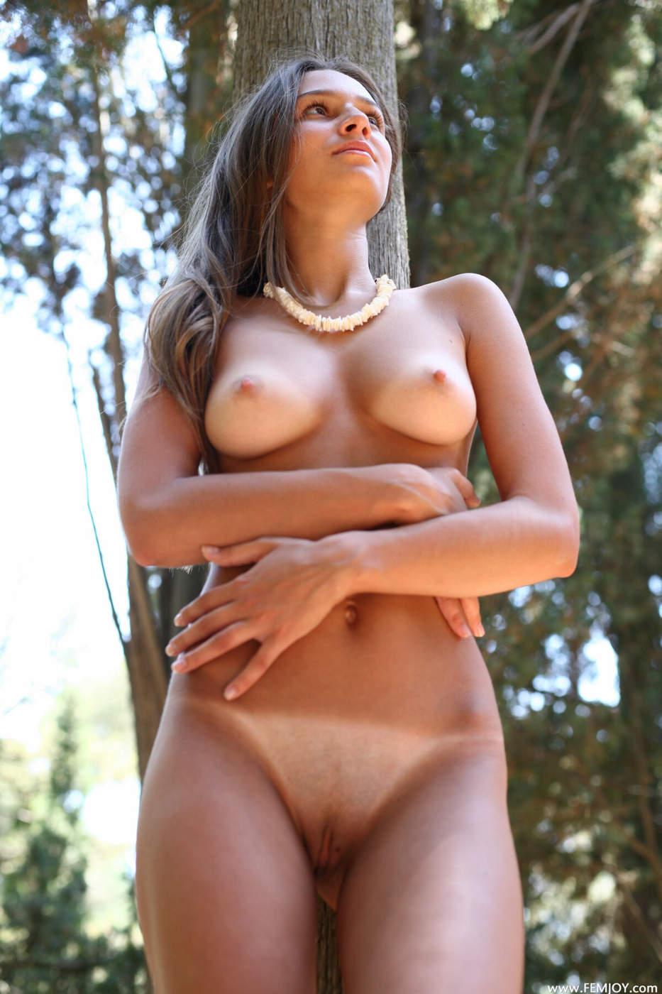 Фото девушек голых со следами от купальника 3 фотография