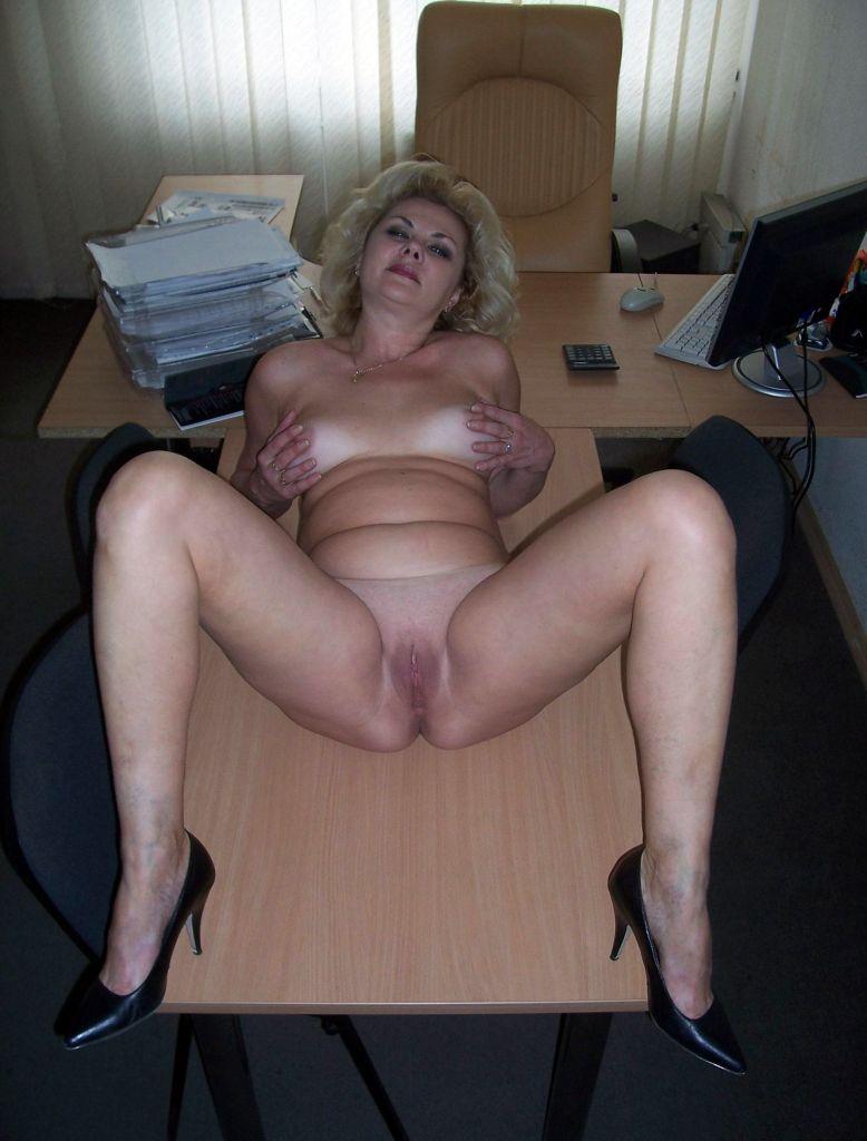 Фото зрелые женщины в работе