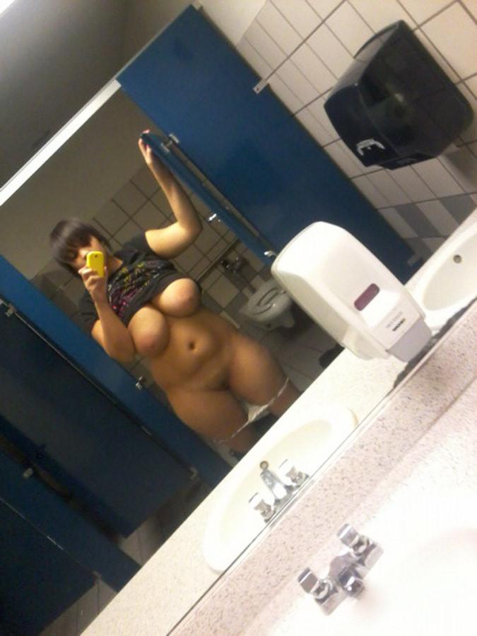 Ролики минета в туалете онлайн бесплатно 21 фотография