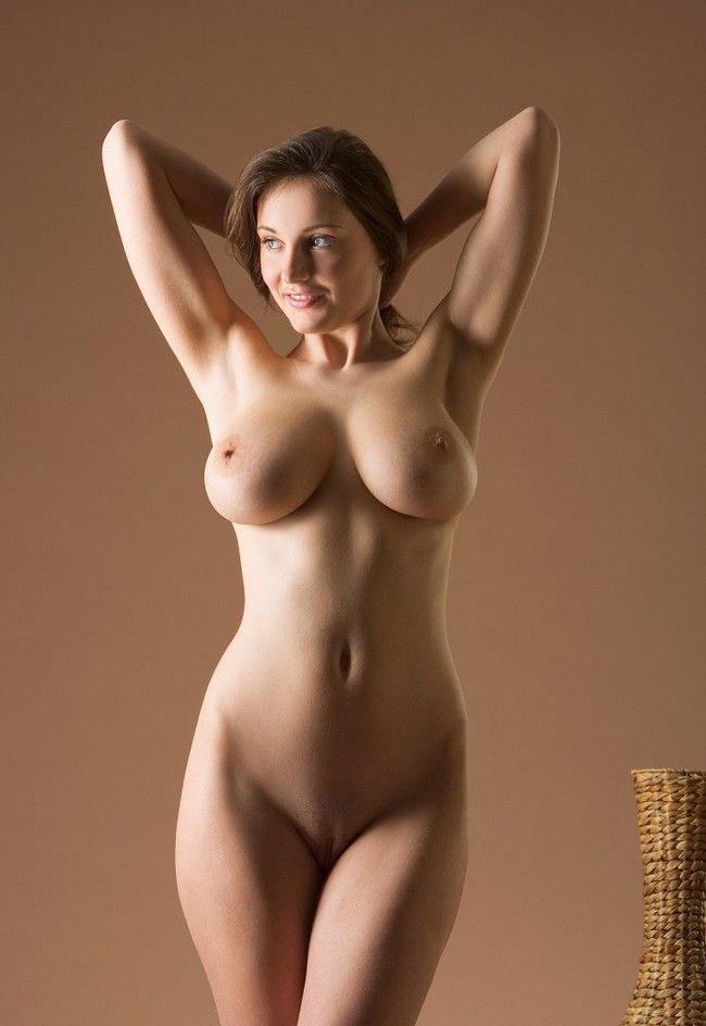 Фото голые девушки мира
