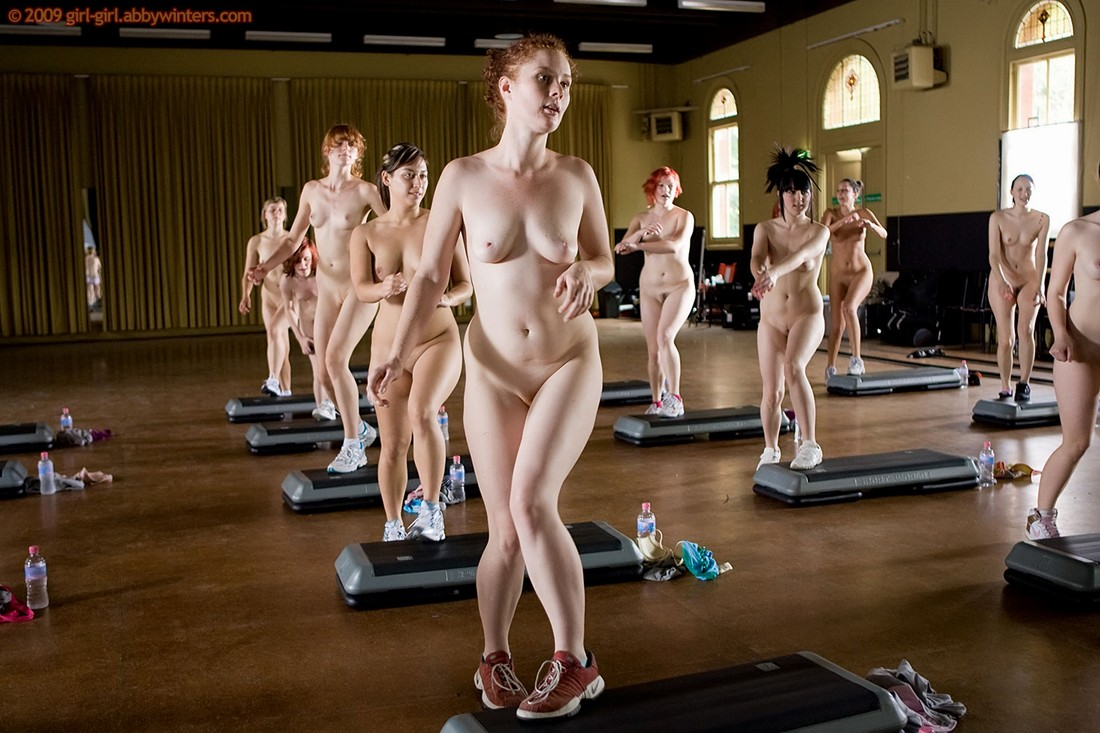 здесь его женщины спортсменки голышом в зале если